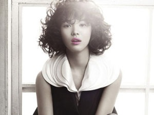 Song Hye Kyo lang man tren Vogue hinh anh