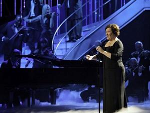 Fan khoc khi nghe Susan Boyle hat 'Ngua hoang' hinh anh