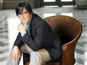 Bae Yong Joon lai di cap cuu hinh anh
