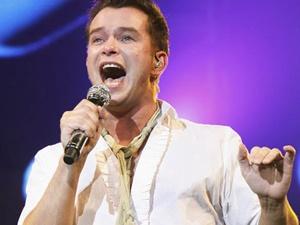 Boyzone sung so truoc tin Stephen Gately dot tu hinh anh