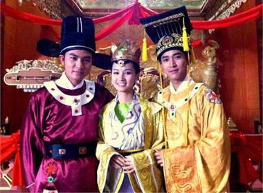Ngam La Thanh Huyen lam nguyen phi hinh anh