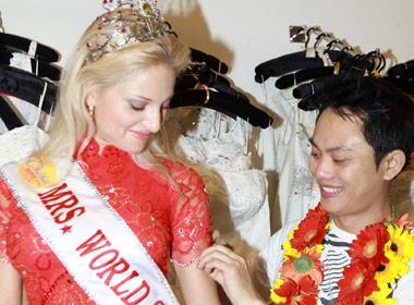 Gio cuoi cua Mrs World 2009 truoc khi ve Nga hinh anh