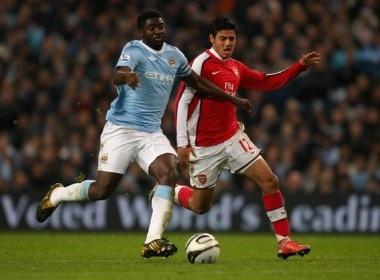 Man City nhan chim Arsenal, Chelsea om han hinh anh