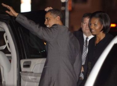 Obama mo tiec sinh nhat som cho vo hinh anh