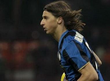 Ibra – Cau thu xuat sac nhat Serie A 2009 hinh anh