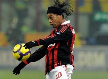Khi Milan tim noi trut gian hinh anh
