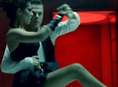 Cheryl Cole nong bong voi vu dieu Latin hinh anh