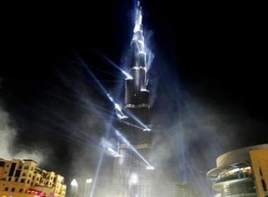 Thap Burj Dubai dong cua sau 1 thang khai truong hinh anh