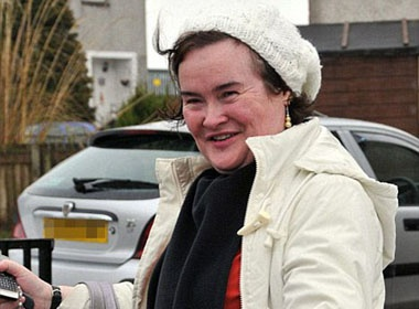 Susan Boyle 'can duoc cham soc 24/24' hinh anh