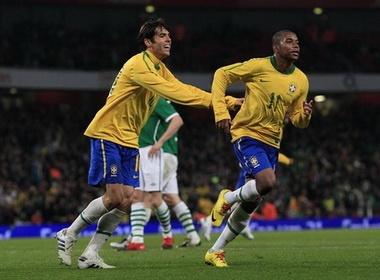 Thang nhe CH Ireland, Brazil thi uy suc manh hinh anh