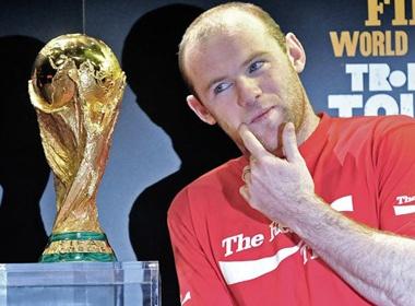Rooney 'no sung' lien tuc nho... hoi dau hinh anh