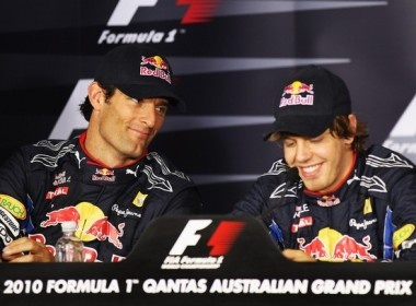 Vettel lai gianh Pole, Red Bull nam loi the hinh anh