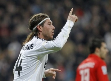 AC Milan quyet tam chieu mo Sergio Ramos hinh anh