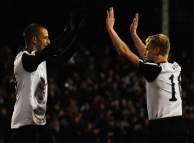 Vuot qua Wolfsburg, Fulham gianh loi the hinh anh