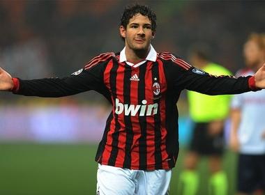 Ro tin don Real va Milan trao doi Kaka – Pato hinh anh