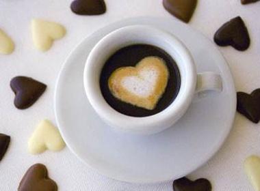 Doan tinh ban qua cach chon quan cafe hinh anh
