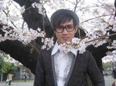 Nguyen Vu deo kinh Nobita tren dat Nhat hinh anh
