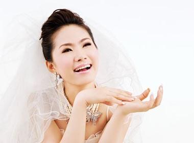 Luong Bich Huu lam co dau xinh dep hinh anh