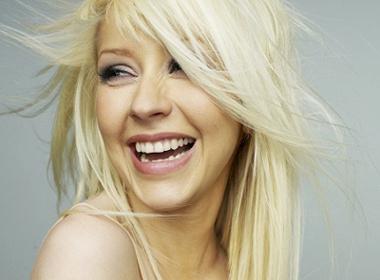 Christina Aguilera tung clip nong bong hinh anh