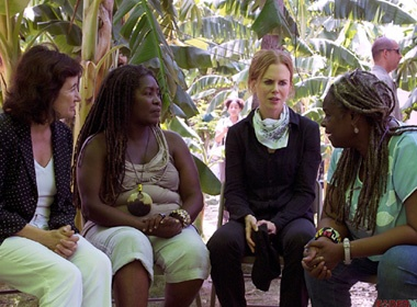 Nicole Kidman toi tham dan ngheo Haiti hinh anh
