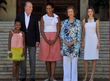Vua Tay Ban Nha tang Michelle Obama... hat giong hinh anh