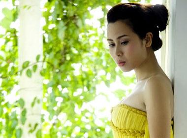 Luu Huong Giang tung 'cay cu' voi Ho Quynh Huong hinh anh