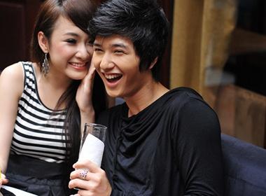'Nguoi me nhi' Phuong Trinh lam duyen ben hot boy hinh anh