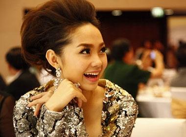 Minh Hang: 'Khong co chuyen lay chong va hoan cuoi' hinh anh