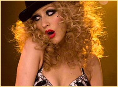Christina Aguilera khoe giong ca quyen ru hinh anh