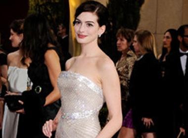 Anne Hathaway dan chuong trinh Oscar 2011 hinh anh