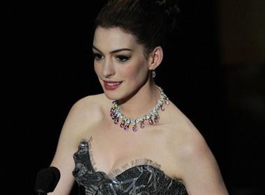 Anne Hathaway lam giau nho Oscar hinh anh