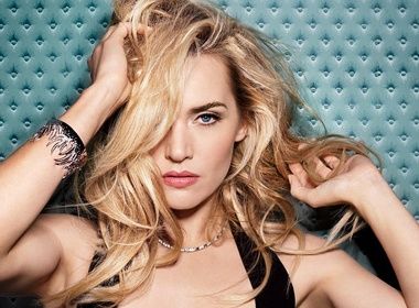 Kate Winslet tung bi ban be che cuoi vi... beo hinh anh