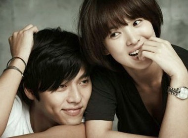 Chuyen tinh Hyun Bin va Song Hye Kyo tan vo hinh anh