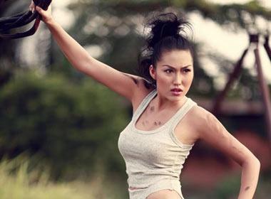 Phi Thanh Van da 'chan ngay' sexy hinh anh