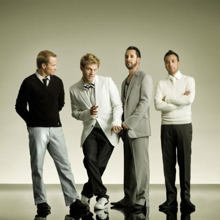 Ve gia Backstreet Boys xuat hien tai Ha Noi hinh anh