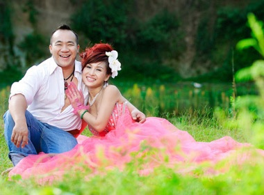 Hieu Hien: 'Thich dien quan sooc, chay xe may' hinh anh