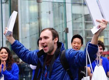 iPad 2 'tan cong' thi truong Nga va Nam My hinh anh