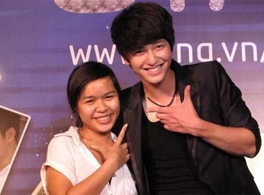 Huynh Anh, Bao Thy tao dang 'sieu nhang' voi fan hinh anh