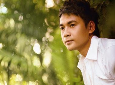 Ngoc Thuan muon coi ao 'Trai nhay' tu lau hinh anh