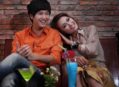 Huynh Anh dang 'hen ho' hotgirl moi? hinh anh