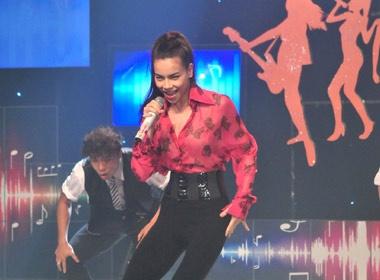 Ho Ha chay het minh voi 'Sang bung suc song' hinh anh