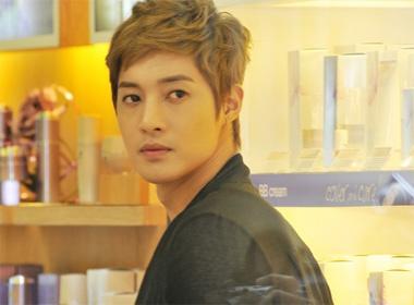 Fan ho reo, Kim Hyun Joong hua tro lai VN hinh anh