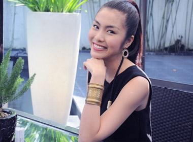 Tang Thanh Ha khoe nu cuoi rang ro hinh anh