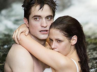 Robert Pattinson khoe 'anh nong' trong 'Chang vang' hinh anh