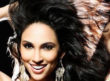 Nguoi dep Malaysia doat danh hieu Miss GB Universe 2011 hinh anh