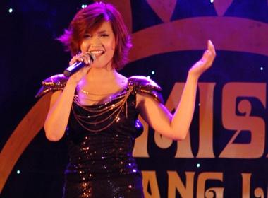 Top 7 'Sang bung suc song' tu tin tren san khau Ha thanh hinh anh