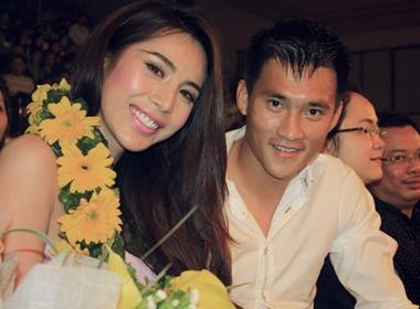 Thuy Tien: 'Cong Vinh khong tre nguoi non da' hinh anh