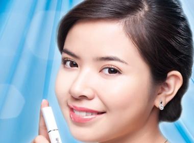 Kieu Khanh lam dai su cho Lip On Lip hinh anh