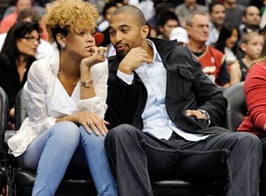 Rihanna va bo cu bi duoi khoi hop dem thoat y hinh anh