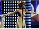 Whitney Houston sap tro lai hinh anh